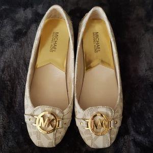 Michael Kors Flats shoes size 8M